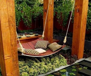 Summer Spirit: 25 Cool Outdoor Hangouts with a Hammock