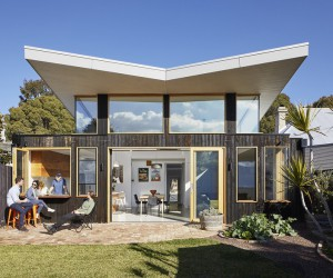Sun-Filled Creative Home by Ben Callery Architects