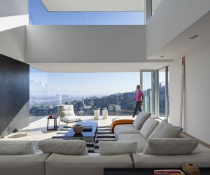 Sunset Plaza Drive Residence by GWdesign