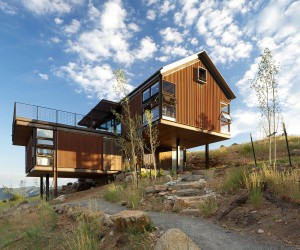Sunshine Canyon House: Rustic Elegance Wrapped in Gabled, Eco-Friendly Form