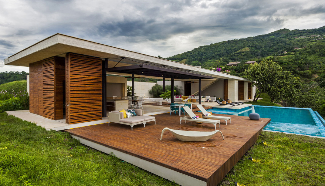 Sustainable modern country home in colombia