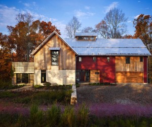 Sustainable Modern-Rustic Barn House in Pennsylvania
