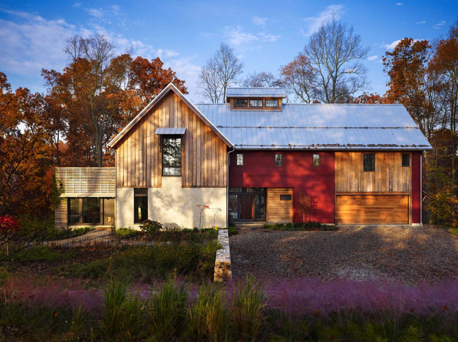 Sustainable modern rustic barn house in pennsylvania for Rustic contemporary home plans