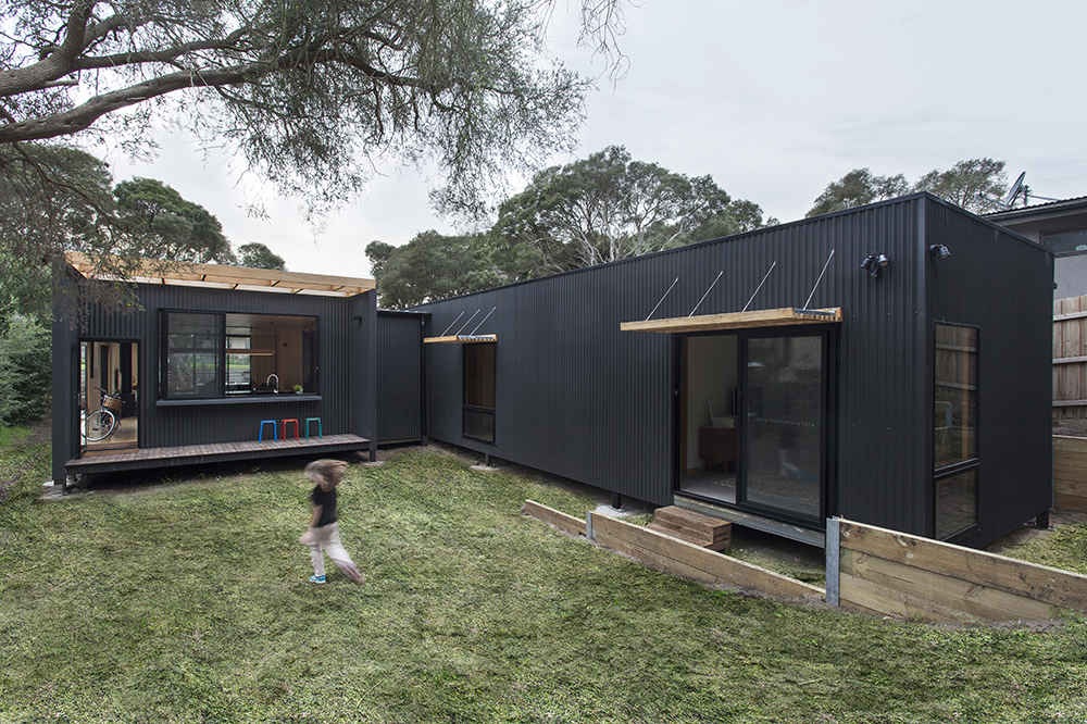 Sustainable Prefab Beach House In Blairgowrie