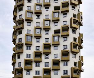 Symmetrical Architectural Photos of Munich by Cris Gravin