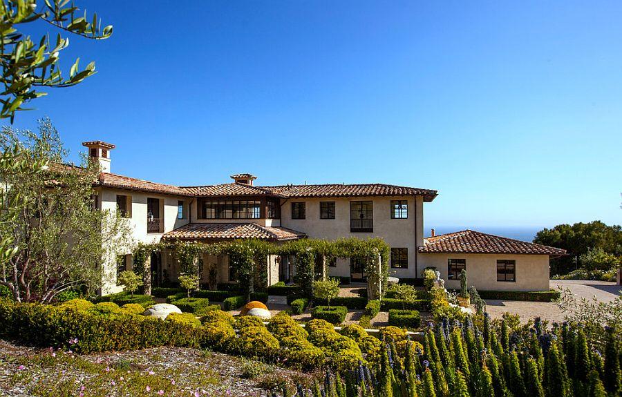 Tantalizingly Tuscan Luxurious Malibu Villa Enchants with ... on italian villa home designs, spanish mediterranean home designs, tuscan home ideas, french mediterranean home designs, tuscan custom home designs, luxury mediterranean home designs,