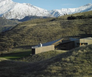 Te Kaitaka House Has a Sculptural Shape Inspired by the Alpine Landscape