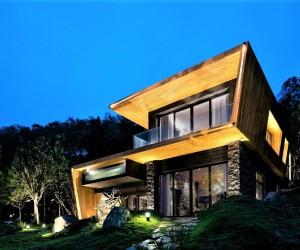 Teak House designed by Pham Thanh Huy