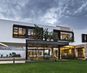 Temozn House in Mexico by Carrillo Arquitectos y Asociados