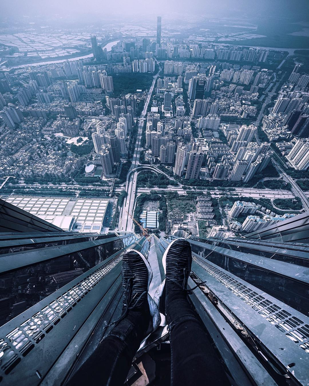 Terrifying Rooftop Photography From The Futurescapes Of Shanghai  # Muebles Jennifer'S Bogota