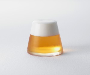 The Beer Glass that reveals a Miniature Mt. Fuji