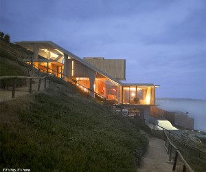 The Ghat House in Chile by Max Nunez
