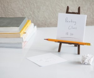 The Memo Holder That Will Let You Feel Like An Artist