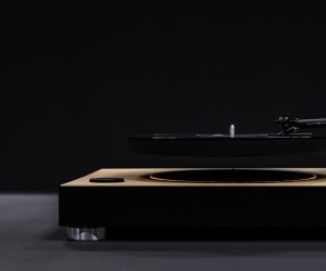 The Worlds First Levitating Turntable