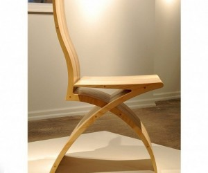 The Xylo Chair: A Sheet of Plywood Transformed