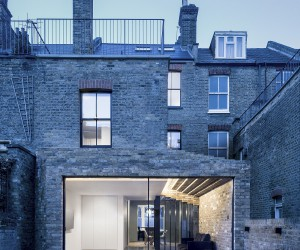 This Historic London Home Gets an Extension that Celebrates Brick