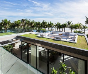 This Luxurious Seaside Villa Sits on One of the Worlds Most Beautiful Beaches