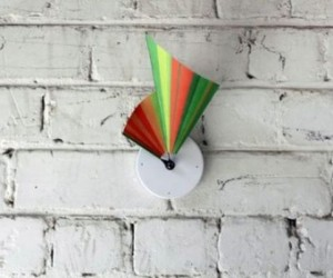 Manifold Clock Made From Tyvek Tells Time In 3D