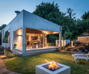 This Small Holiday Cottage Combines Modern Aesthetics with Buconic Charm