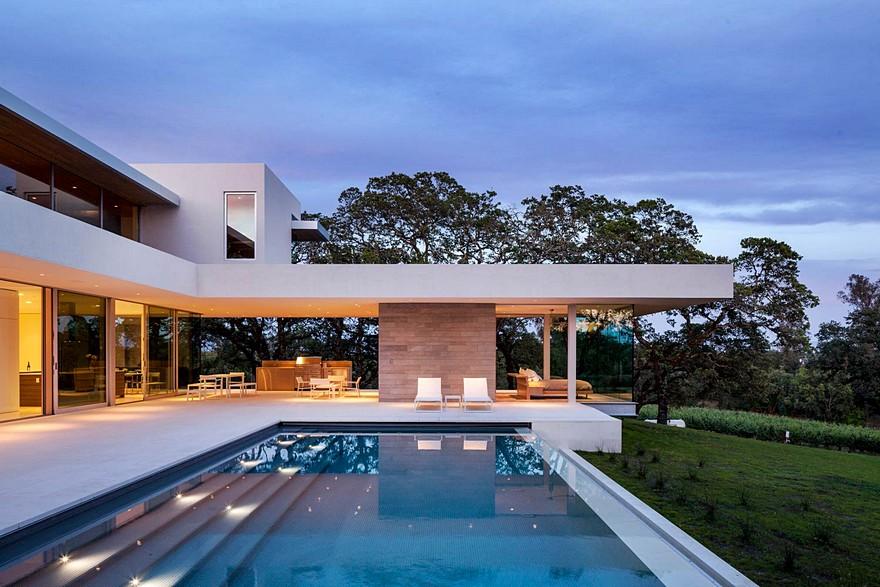 indoor outdoor living spaces design this vineyard house provide casual indooroutdoor living spaces