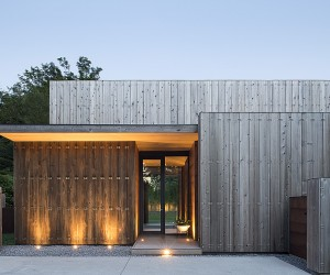Timber clad beauty in Long Island, New York