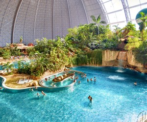Top 3 Worlds Largest Indoor Water Parks
