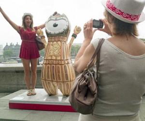 Tourist London by Paul Baldesare
