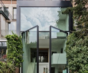 Town House by Sculpt IT - largest pivoting door