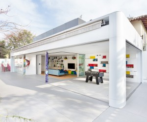 Toy House in So Paulo by Pascali Semerdjian Arquitectos