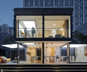 Transformable Smart Home in China by HDD