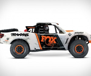 Traxxas Unlimited RC Desert Racer