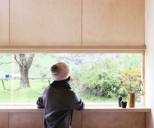 TRIAS Builds A Slate Cabin In Wales Countryside