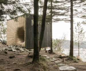Tubakuba Mountain Hut by OPA FORM