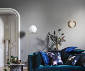 Ultra Violet: Decorating with Pantones Color of the Year 2018