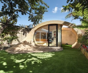 Unconventionally brilliant garden office