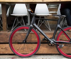 Vanhawks Valour, Worlds First Connected Bike