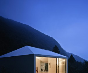 Villa in Karuizawa by Makoto Yamaguchi