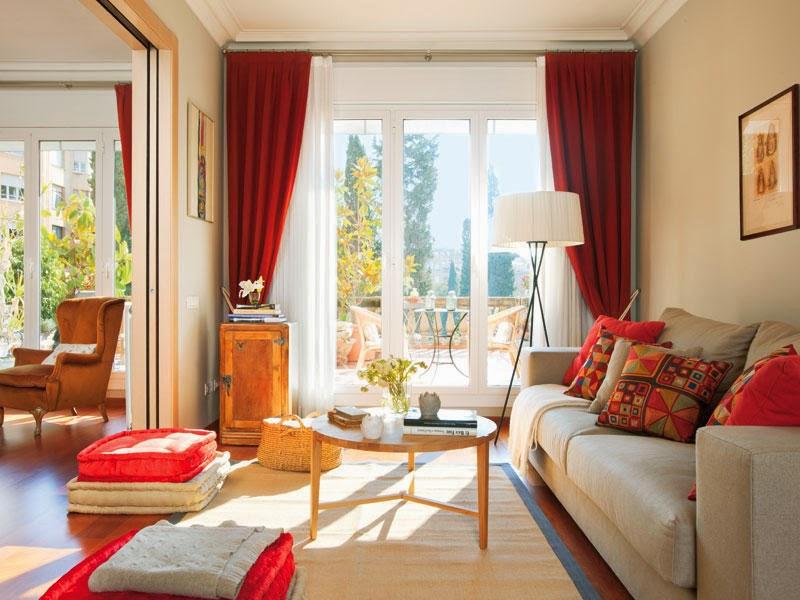 Warm and cozy apartment in madrid spain - Decoracion de sofas con cojines ...
