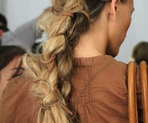 Ways To Create Unique Ponytail