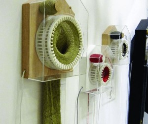 Weaving time: 365 knitting clock