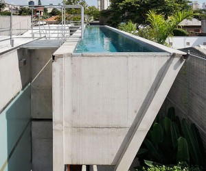 Weekend House in So Paulo by SPBR architects