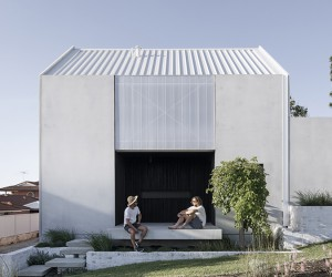 Whispering Smith Build Carbon-Neutral House In Australia
