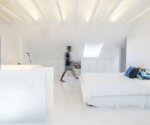 White Attic by Diogo Passarinho  Duarte Caldas