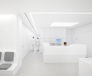 White Space Orthodontic Clinic by bureauhub architecture
