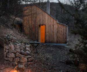 Wilderness Hut by raumhochrosen