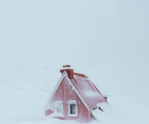 Winter Wonderland: The Magnificent Landscape of Iceland by Niklas Sderlund