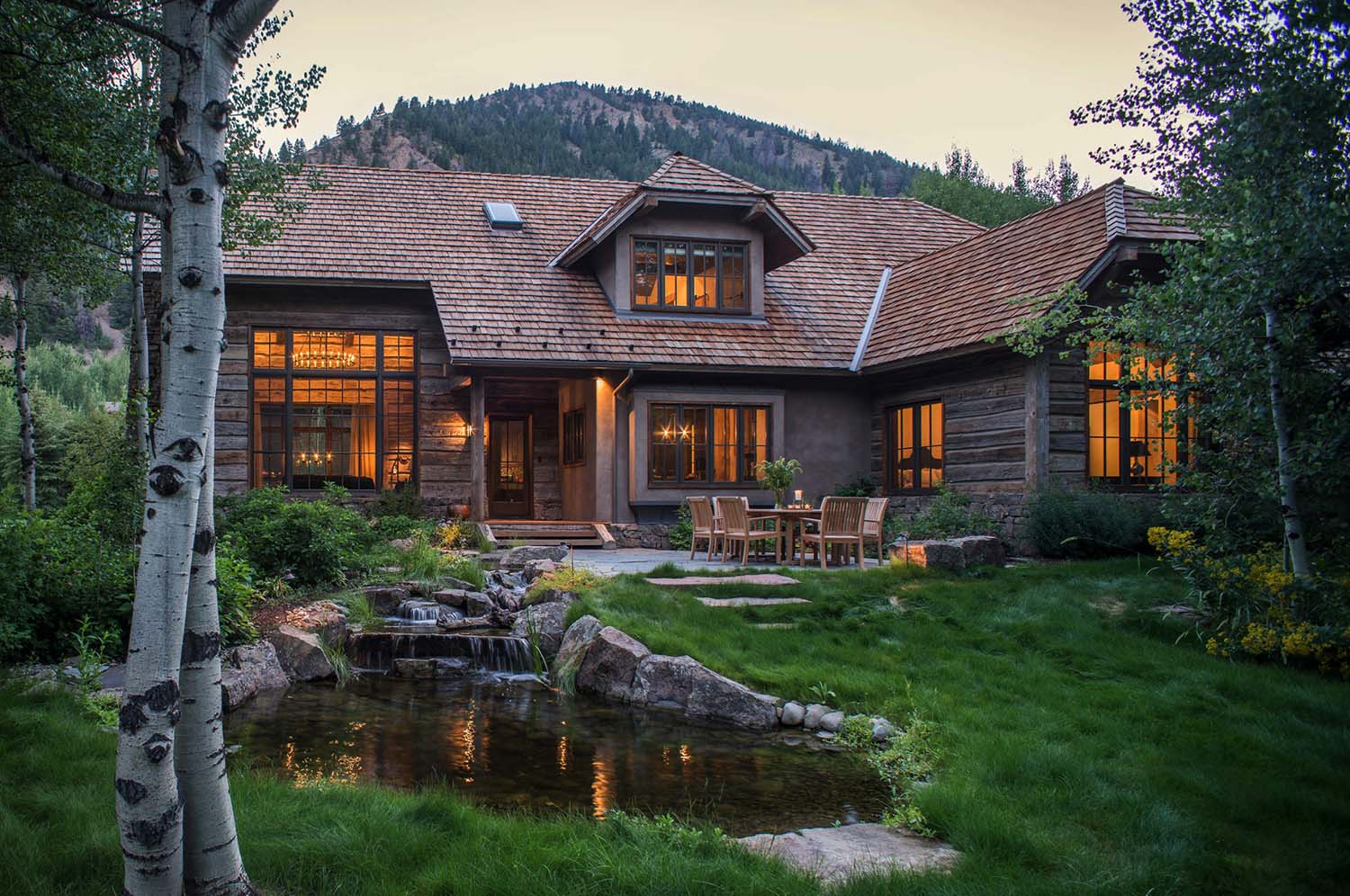 Woodland chalet imbues rustic elegance in idahos sun valley for Idaho house plans