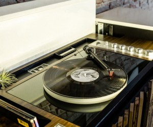 Wren HiFi Vintage-Inspired M1 Stereo Console