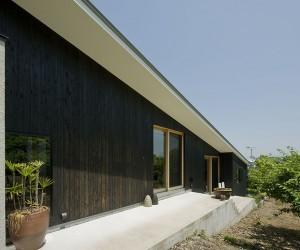 Yi House by LIC  Yamamoto Architects